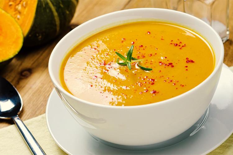 Caldos e Sopas Saudáveis - Sopa de Abóbora com Laranja