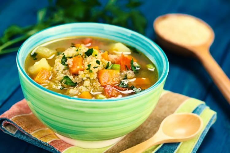 Caldos e Sopas Saudáveis - Sopa de Legumes com Frango